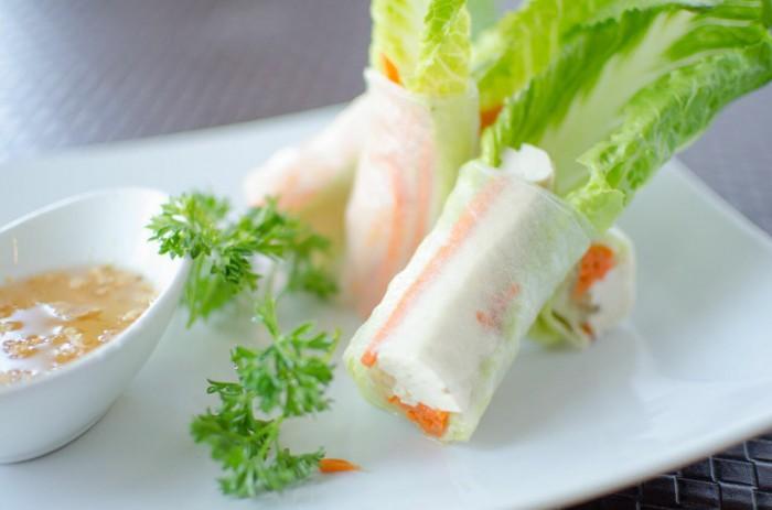 Table-Thai-Bar-Bistro-Fresh-Rolls