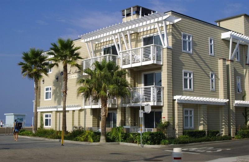 The-Beach-House-in-Hermosa-Beach-7