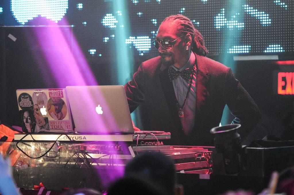 Snoop Dogg DJs at TAO