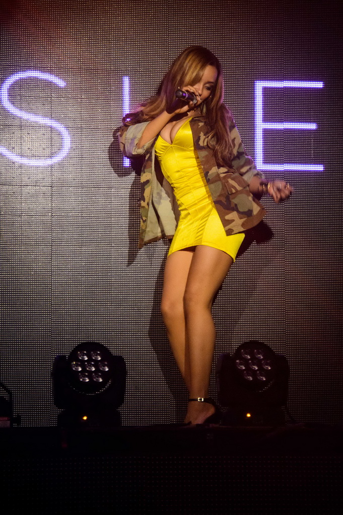 Tinashe Performance at TAO