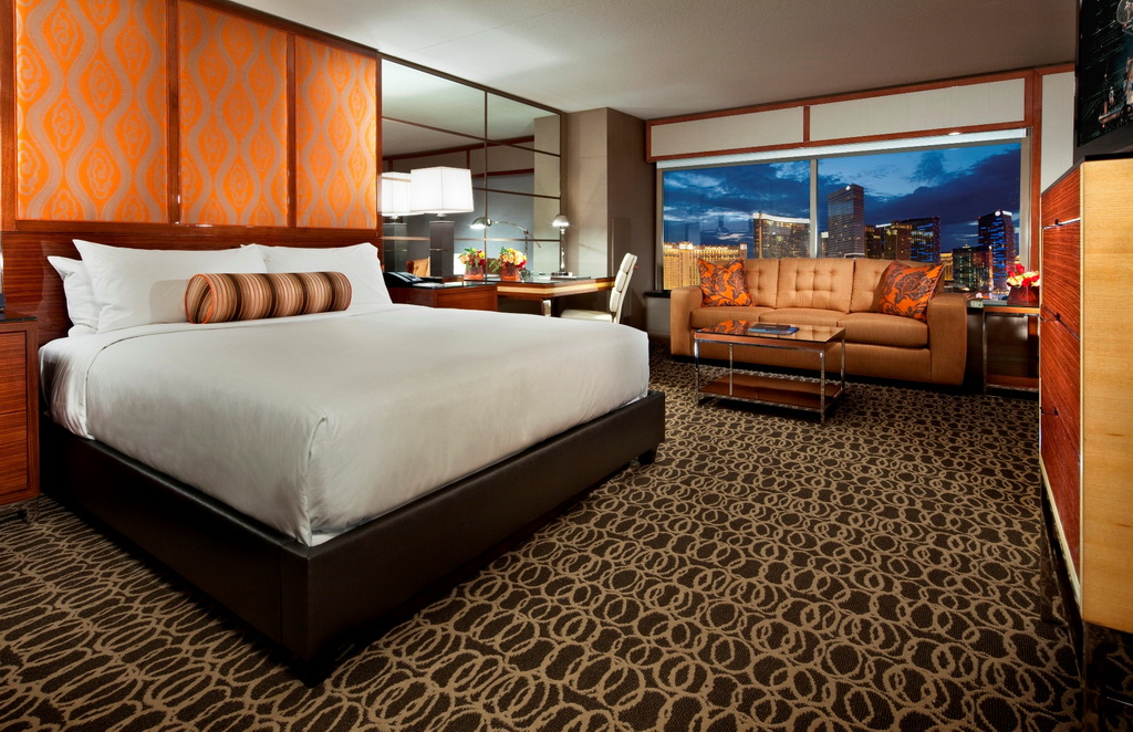 Extend Your Summer at MGM Grand's Stay Well Rooms