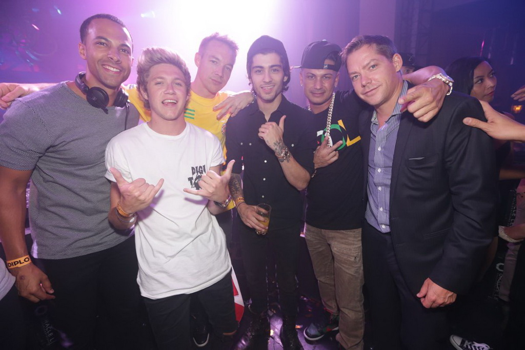 one direction and other celebrities flock to xs nightclub