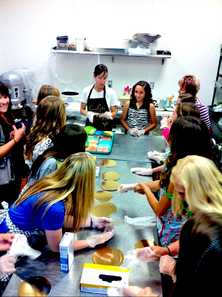 Chocolate and Spice Bakery Decorating Class