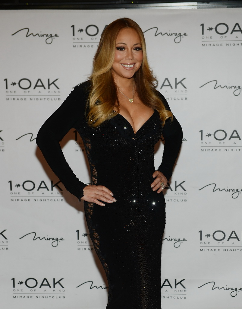 Mariah Carey Hosts Celebratory Evening at 1 OAK Nightclub