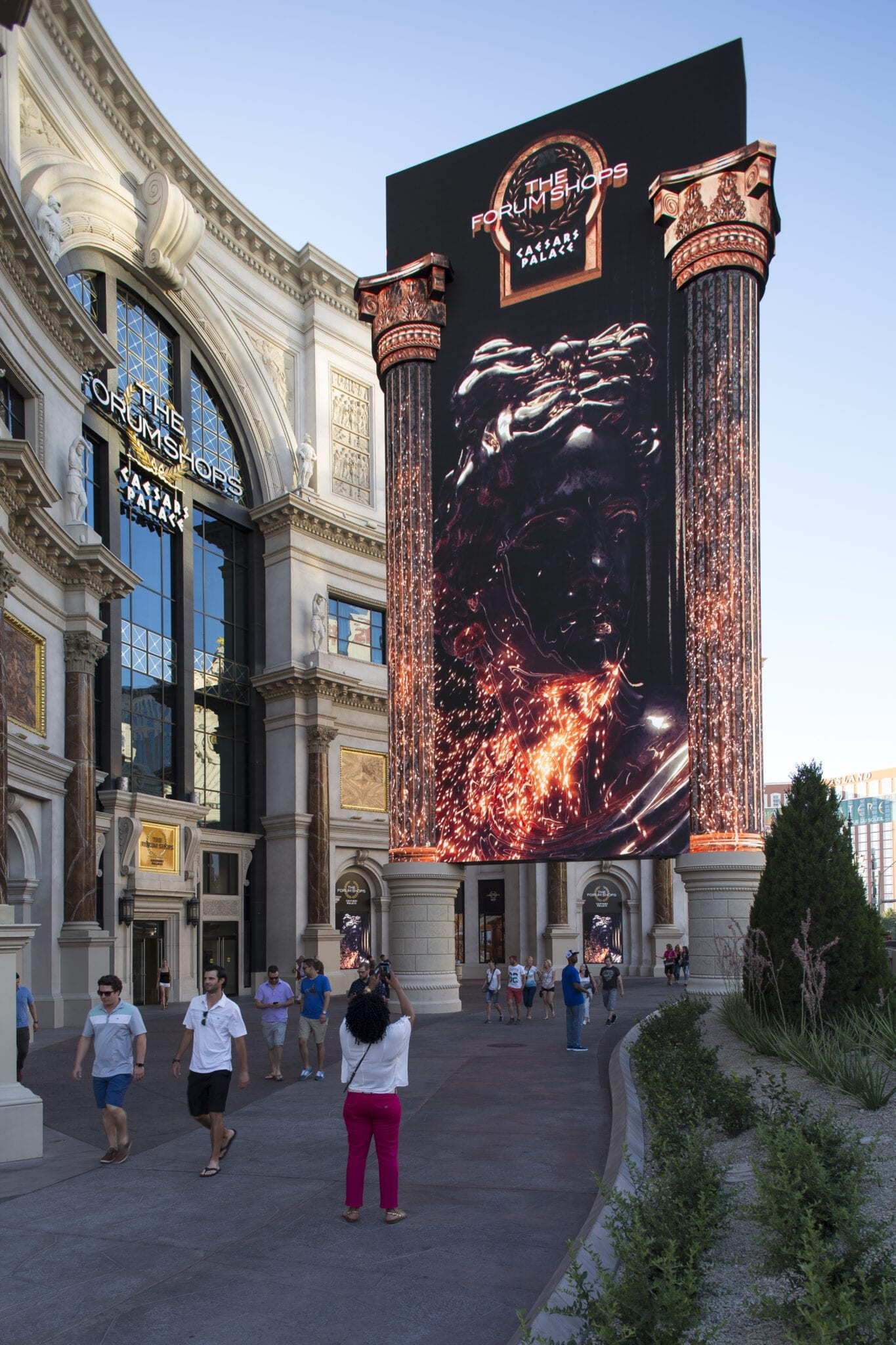New 85 FOOT Digital Marquee – The Forum Shops at Caesars