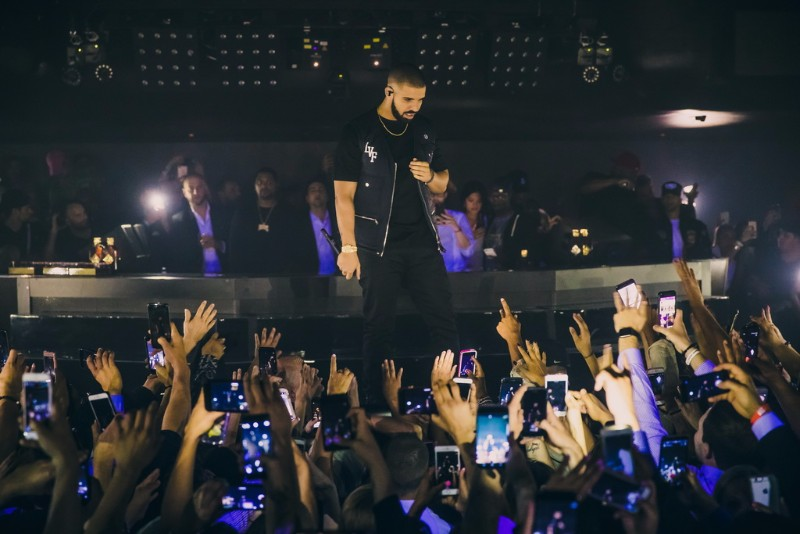 Drake-at-Hakkasan-Nightclub-04