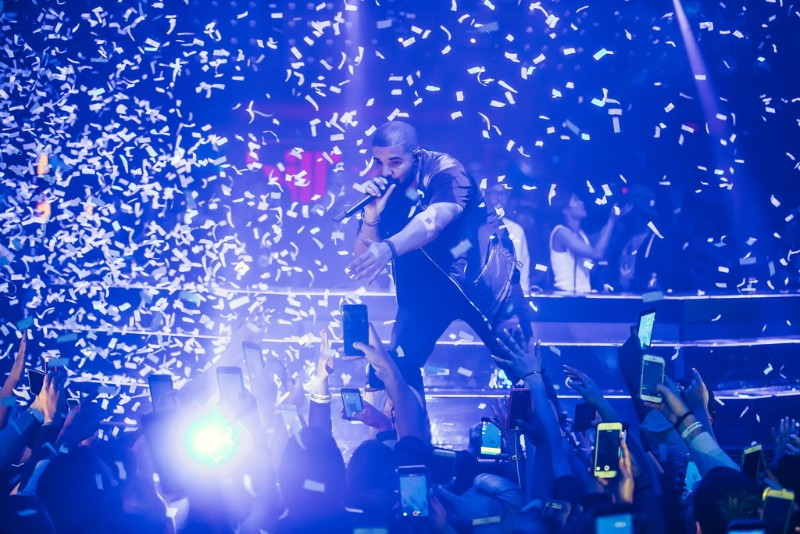 Drake-at-Hakkasan-Nightclub-05