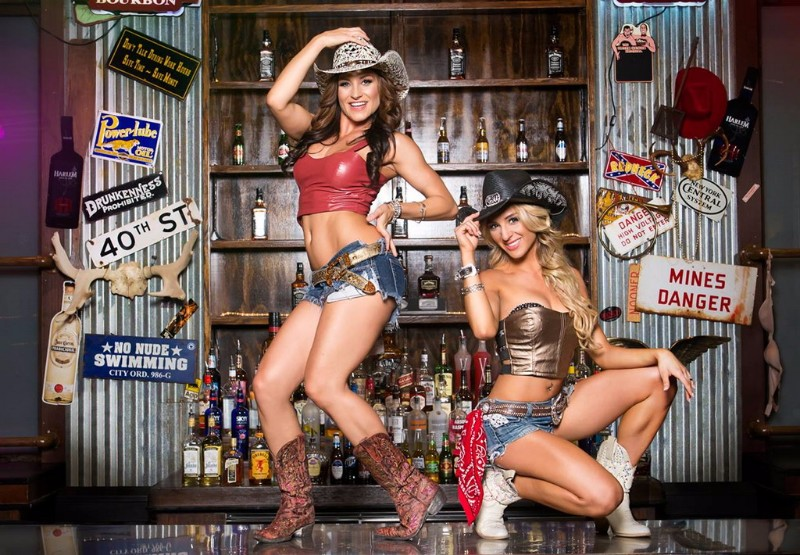 Coyote-Ugly-Saloon-6