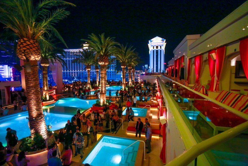 Drais-Beach-Club-Nightclub-3