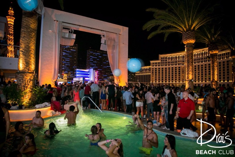 Drais-Beach-Club-Nightclub-4