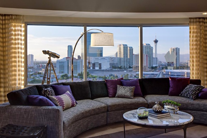 Renaissance-Las-Vegas-Hotel-7