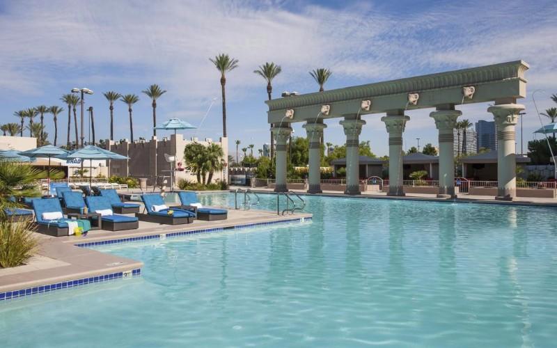 Luxor-Hotel-8