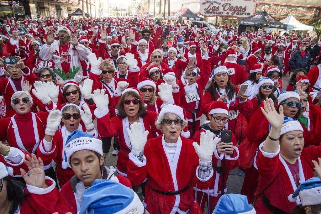 Thousands of participants join 2017 Las Vegas Great Santa Run