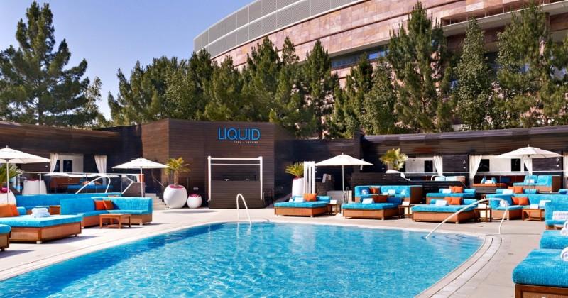 Liquid-Pool-Lounge-02
