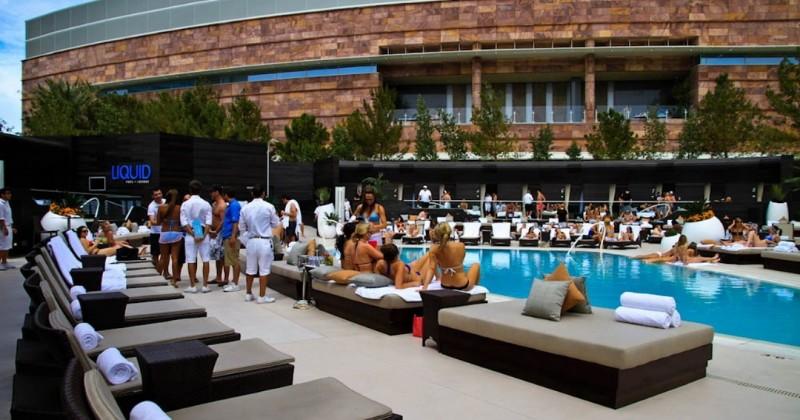 Liquid-Pool-Lounge-04