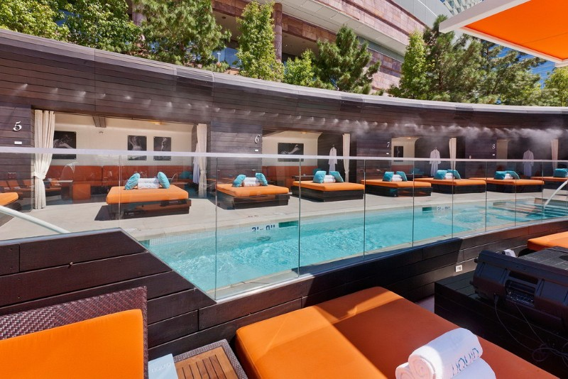 Liquid-Pool-Lounge-05