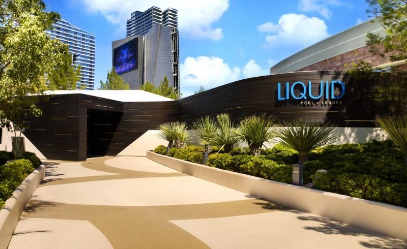 Liquid-Pool-Lounge-06