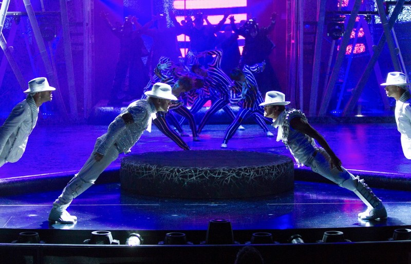 Michael-Jackson-ONE-8