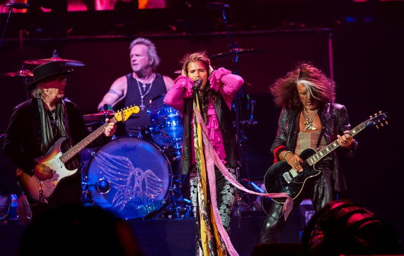 Aerosmith-performs-at-MGM-Grand-Garden-Arena-05