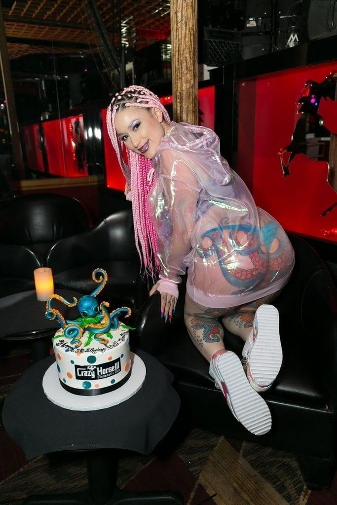 Daizha Morgann with Birthday Cake