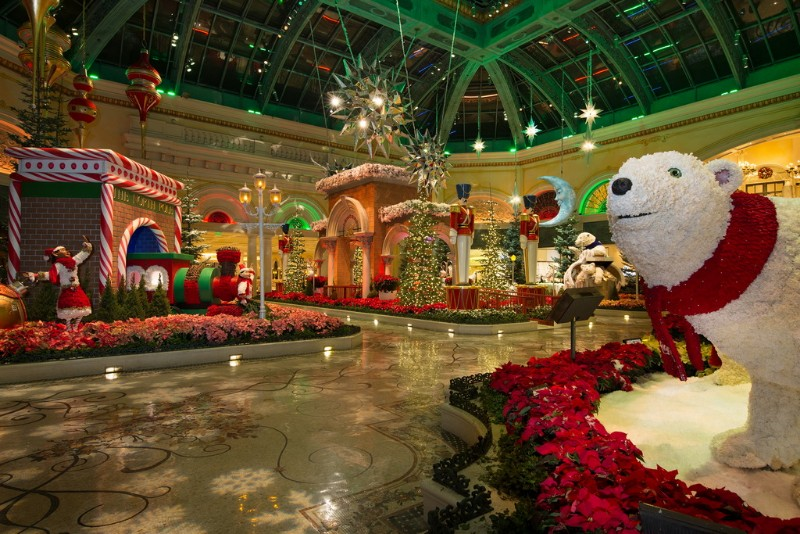 Bellagios-Conservatory-Botanical-Gardens-2017-Holiday-Display