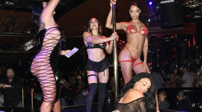 Kiara Mia_Money on Stage