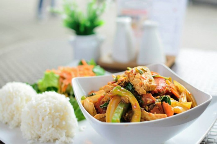 Table-Thai-Bar-Bistro-Great-for-Lunch