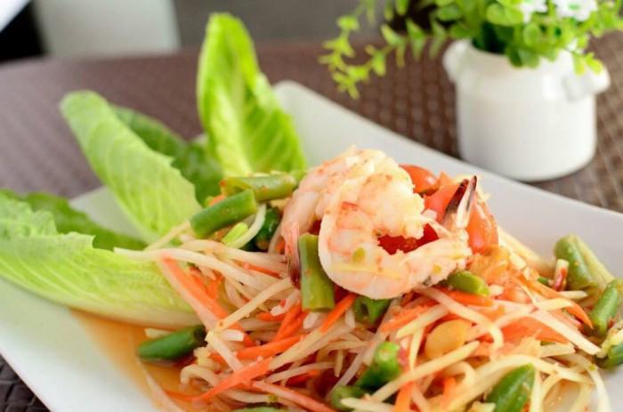 Table-Thai-Bar-Bistro-Som-Tum