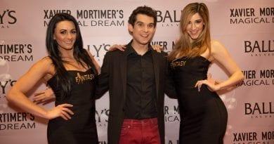 Xavier Mortimer and FANTASY Girls on the Red Carpet