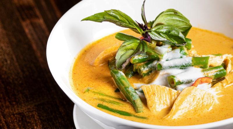 Pin Kaow Thai Restaurant - Panang Chicken Curry