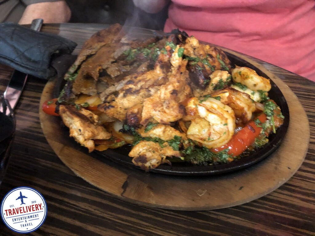 Chicken Steak Shrimp Combo Fajita Platter 1 1024x768