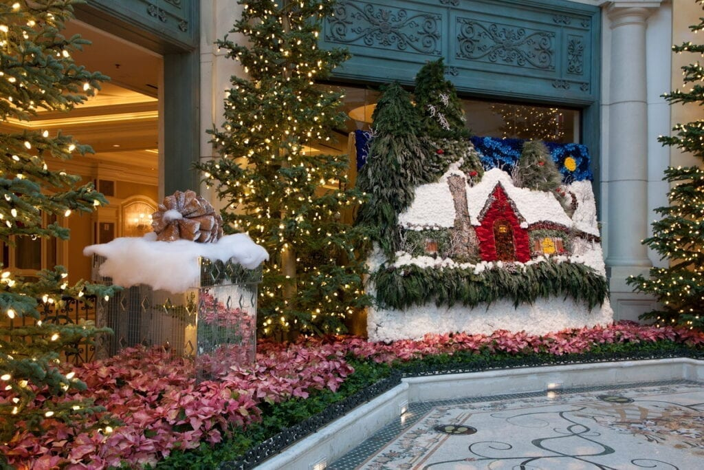 Bellagio Conservatory Winter Display 2020 - Holiday Artwork