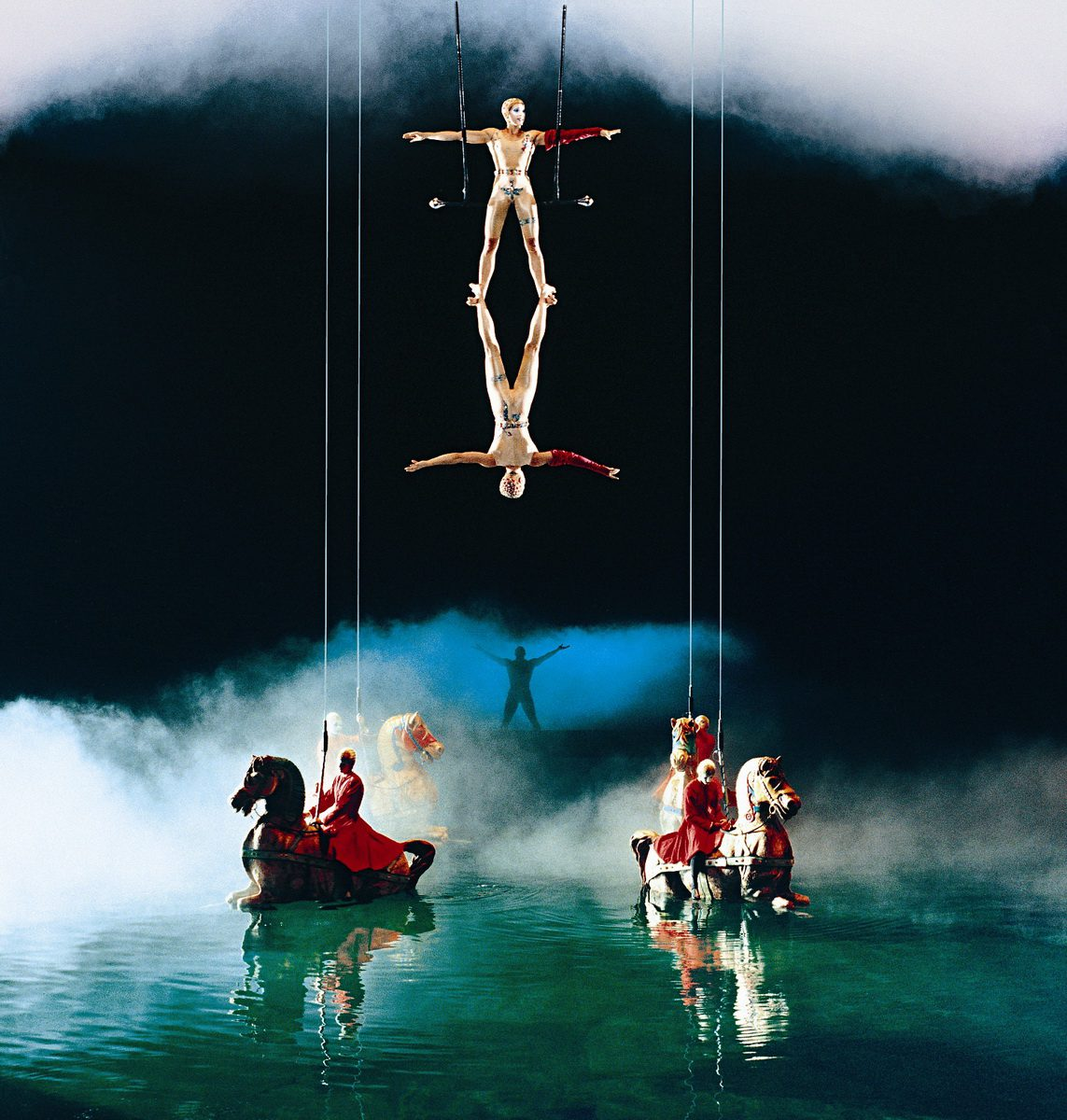 O by Cirque du Soleil - Trapeze