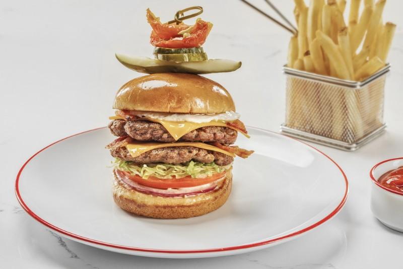 Strat-Cafe-Wok-Double-Double-Hangover-Burger