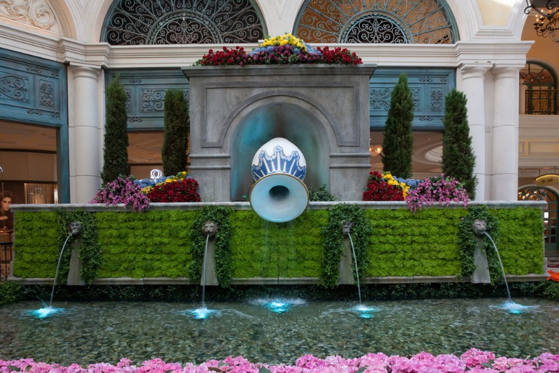Bellagios-Conservatory-Botanical-Gardens-2018-Summer-Display-South-Bed