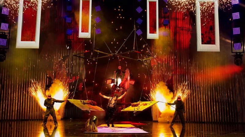 Criss-Angel-MINDFREAK-LIVE-10