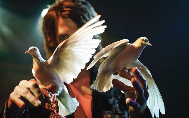 Criss-Angel-MINDFREAK-LIVE-6