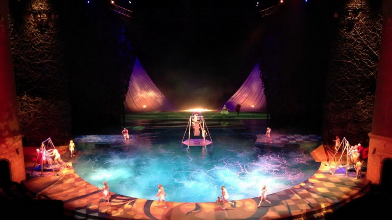 O-by-Cirque-du-Soleil-2