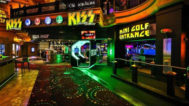 Kiss-By-Monster-Mini-Golf