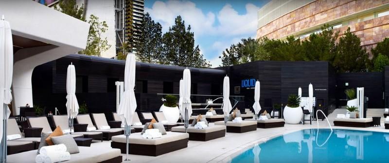 Liquid-Pool-Lounge-11