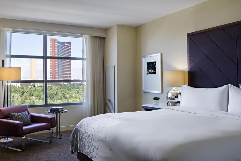 Renaissance-Las-Vegas-Hotel-5