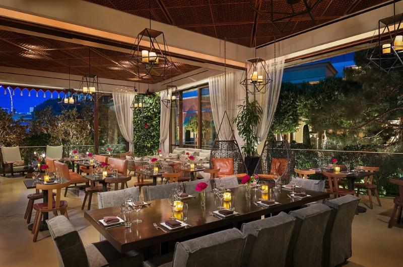 La-Caves-Garden-Lounge