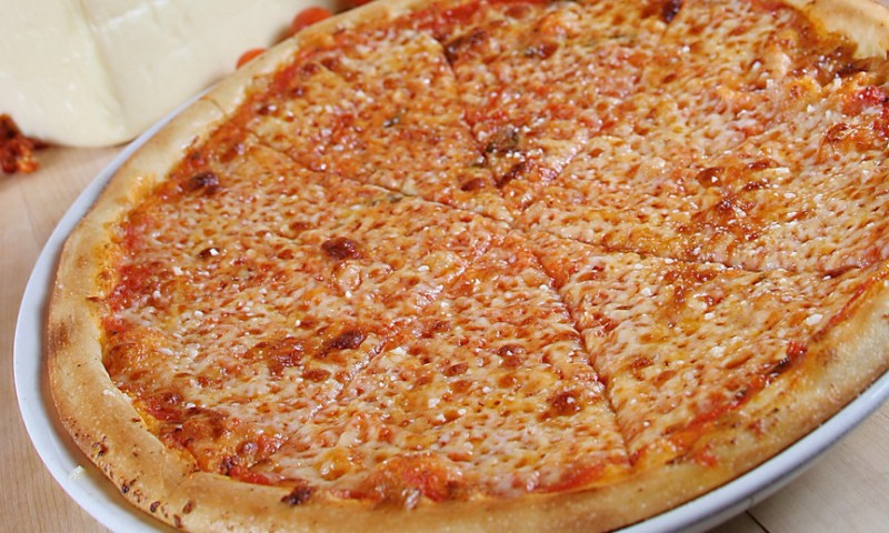 TREVI-Cheese-Pizza-2