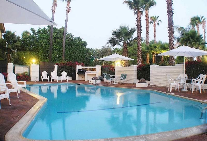 Hotel-Pepper-Tree-Pool-Area