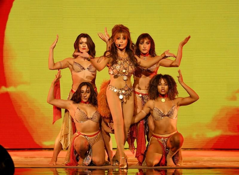 Paula-Abdul-Forever-Your-Girl-5