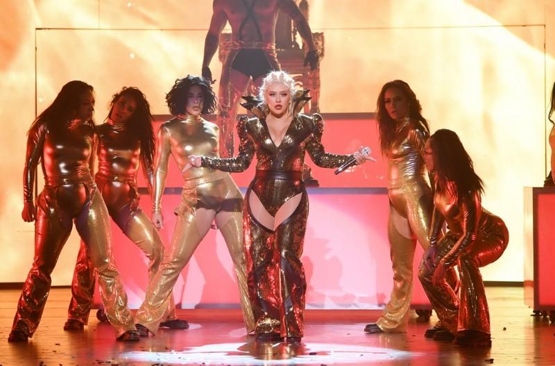 Christina-Aguilera-The-Xperience-3