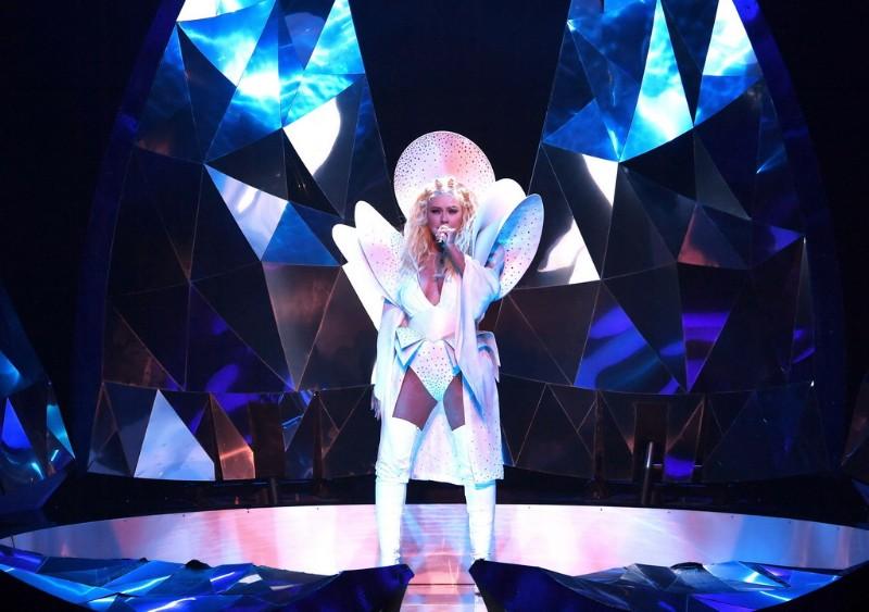Christina-Aguilera-The-Xperience-5