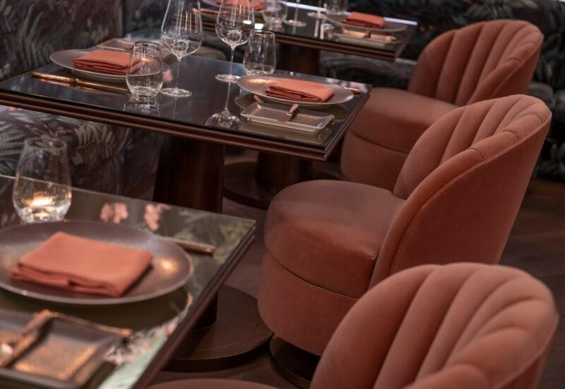 Bugsy Meyers Steakhouse 18 800x550