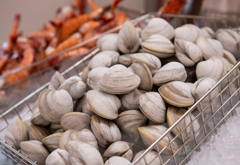 Bugsy Meyers Steakhouse Clams 800x550