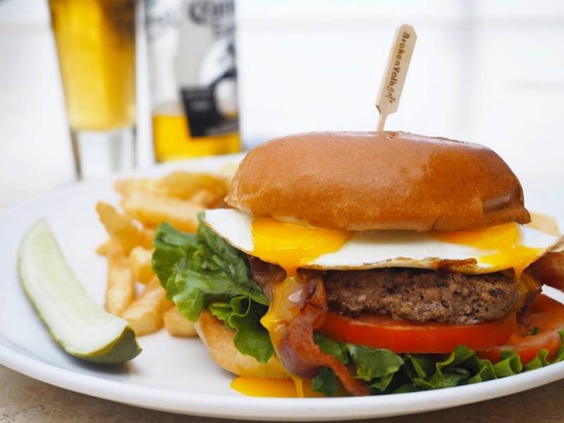 1241 Good Morning Burger at The Broken Yolk Cafe